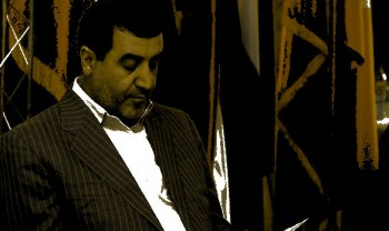 یک نماینده مجلس می گوید اقتصاد ایران در حال فروپاشی است