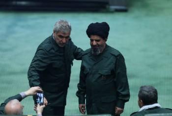 نمایندگان مجلس در حمایت از سپاه پاسداران لباس سبز بر تن کردند