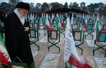 رهبر انقلاب: میدان مجاهدت در عرصههای گوناگون همچنان گشوده است