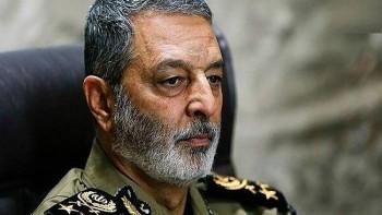 کشوری که پادگان هایش حسینیه باشد شکست ناپذیر است