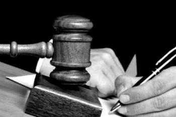 کانون نویسندگان ایران به حکم دادگاه بدوی سه نویسنده اعتراض کرد