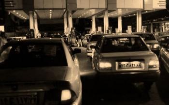 وزارت کشور می گوید سهمیه بندی بنزین در دست بررسی است