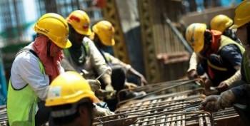 حداقل 35 درصد از کارگران ایران حقوق و مزایای شغلی دریافت نمی کنند