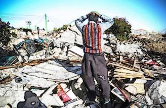 ۶۰ درصد زلزلهزدگان هنوز در چادر زندگی میکنند