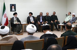 رهبری: قصد دشمن شکست نظام از طریق اختلافات مذهبی و قومی بود