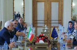 ظریف: ترامپ تلاش میکند به هزینه ایران برجام را از بین ببرد