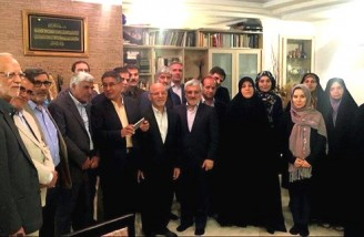 دیدار برخی از نمایندگان مجلس با دختران میرحسین موسوی