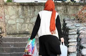 نماینده مجلس ایران از مردم خواست از خرید مواد غذایی خودداری کنند