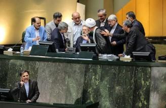 متن و حاشیه جلسه استیضاح وزیر راه و شهرسازی در مجلس
