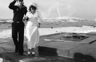 عروس و داماد در مورمانسک، سال ۱۹۷۷