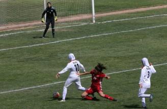 حضور بدون پوشش ِ تیم فوتبال دختران اردن در تهران
