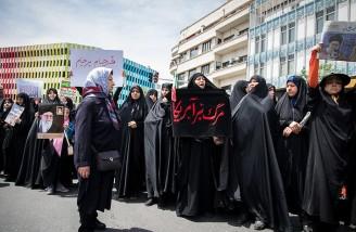آتش زدن پرچم آمریکا و تذکر به دولت حسن روحانی در تهران