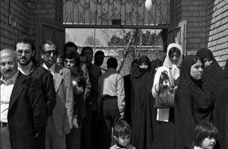 آدم ها در صفِ انتظار جمهوری اسلامی| ۱۲ فروردین ۱۳۵۸