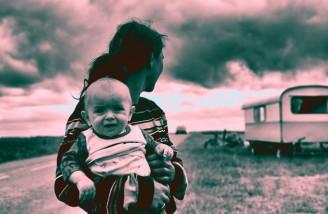 تمام رنجهای جهان بر چهره مادران حک شده است