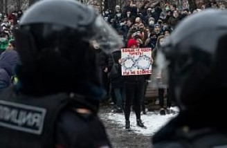 اتحادیه اروپا از پوتین خواست به سرکوب مخالفان پایان دهد